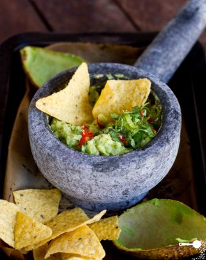 5 Ingredients: Roasted AvocadoGuacamole